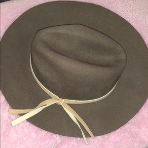 Accessories - Cute hat.